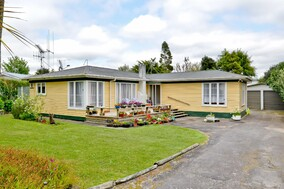 SOLD - 3 Helena Rd, Hillcrest$530,000