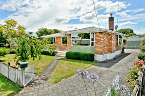 SOLD - 9 Liston Cres, Hillcrest$550,000