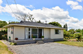 SOLD - 24b Bruce Ave, Glenview$335,000