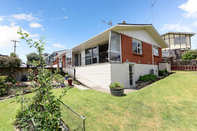 SOLD - 176b Cambridge Rd, Hillcrest$520,000